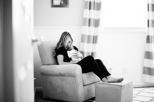 emerson-black-and-white-newborn