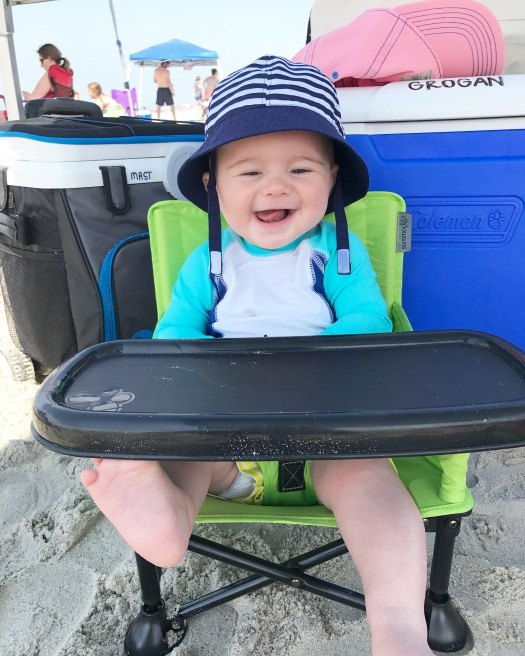 baby-in-beach-chair