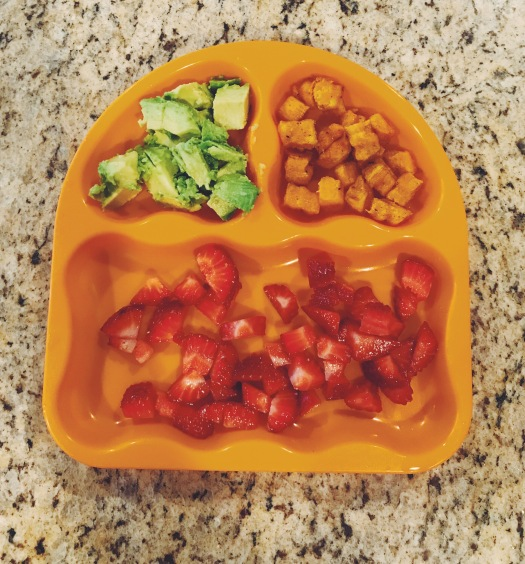 baby-finger-food-avocado-berries