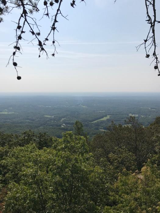 family-hike-hanging-rock-5