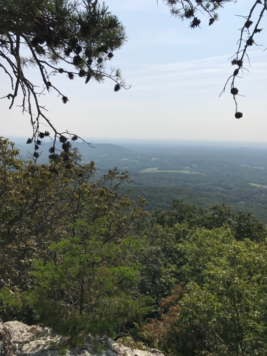 family-hike-hanging-rock-3