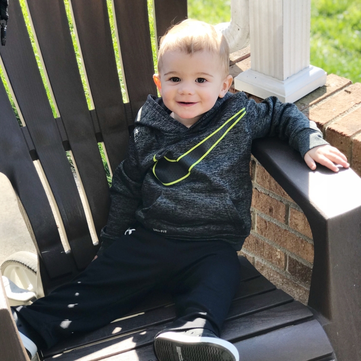 emerson-in-chair